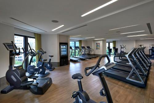 The fitness center and/or fitness facilities at Mandarin Oriental Taipei