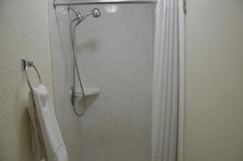 A bathroom at Hotel Sunrise