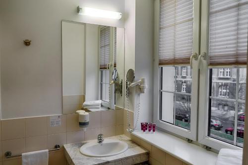A bathroom at Focus Hotel Szczecin