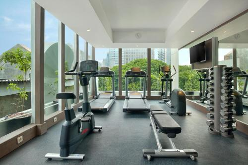 The fitness centre and/or fitness facilities at Holiday Inn Express Jakarta Wahid Hasyim, an IHG Hotel