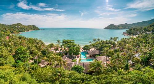 A view of the pool at Anantara Rasananda Koh Phangan Villas or nearby