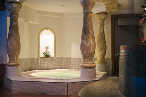 A bathroom at Hotel Grieshof