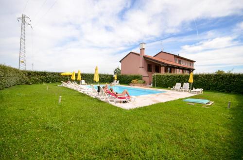 The swimming pool at or near Casa Miniscalchi