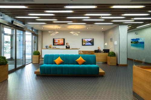 Лобби или стойка регистрации в Atlantic by USTA Hotels