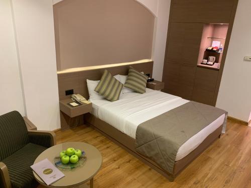 Cama ou camas em um quarto em Carlton Al Moaibed Hotel