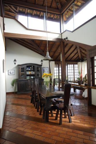 Um restaurante ou outro lugar para comer em Casa Solar