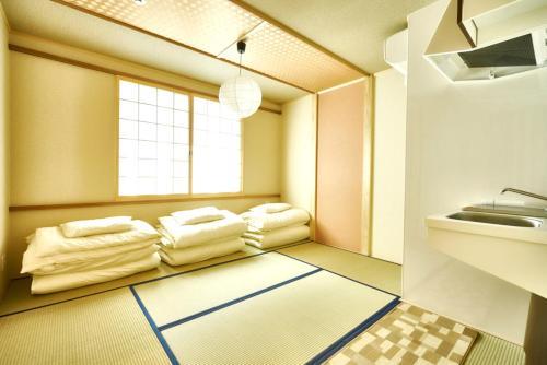 Stay SAKURA Kyoto 二条城西Ⅰにあるシーティングエリア