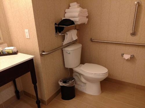 A bathroom at Best Western Plus Dayton