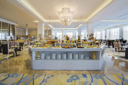 مطعم أو مكان آخر لتناول الطعام في فنادق وبريفيرينس هيوالينغ تبليسي