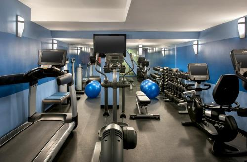 The fitness centre and/or fitness facilities at Four Points by Sheraton Manhattan SoHo Village
