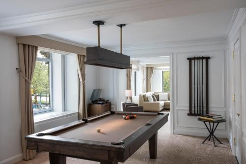 A pool table at The Ritz-Carlton New York, Central Park