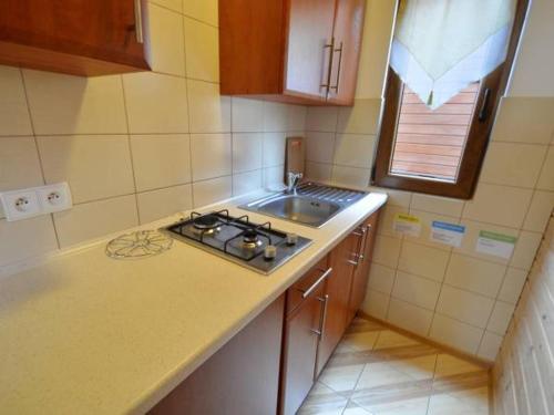 Kuchnia lub aneks kuchenny w obiekcie domki Irena Kozdrowska