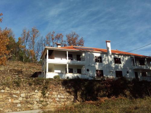 O edifício onde the country house está situado