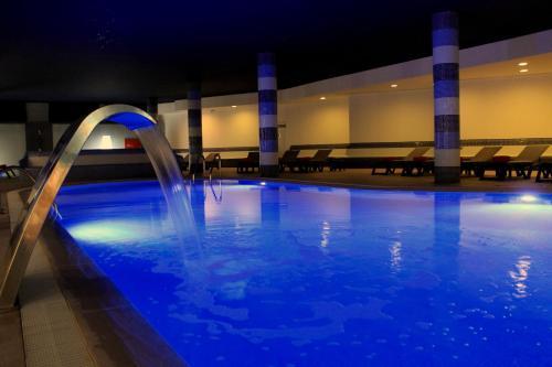 The swimming pool at or close to Luna Solaqua