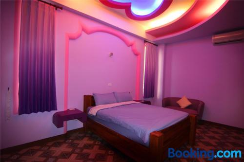 聯慶潛水B&B房間的床