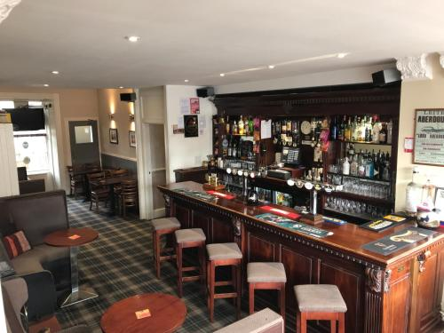 The lounge or bar area at Aberdour Hotel, Stables Rooms & Beer Garden