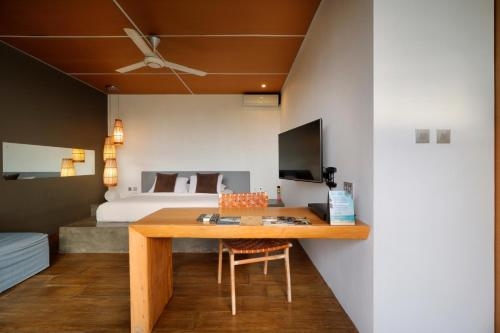A television and/or entertainment centre at Clio Apartment