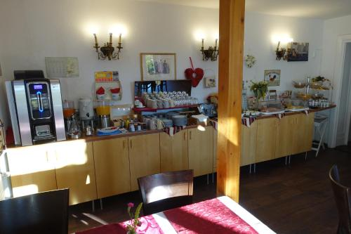 A restaurant or other place to eat at Hotel Villa Konstanz