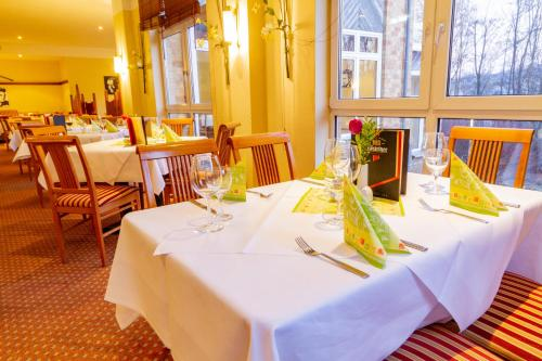 A restaurant or other place to eat at Quality Hotel Dresden West