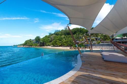 Swimmingpoolen hos eller tæt på Coco de Mer Hotel and Black Parrot Suites