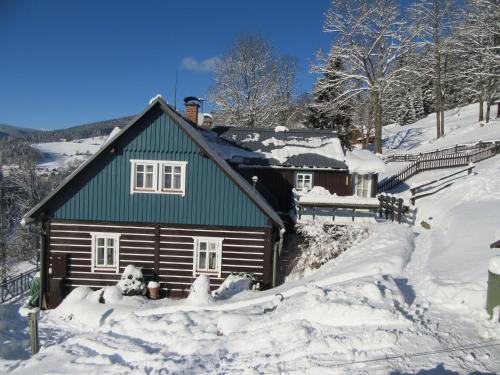 Horska chalupa u Kulisu v zimě