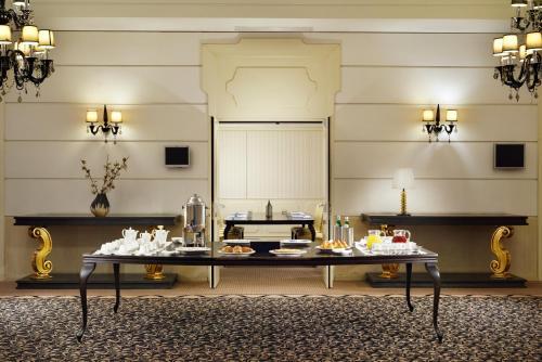 Palace Catania   UNA Esperienzeにあるレストランまたは飲食店