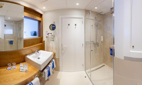 Un baño de Hotel Tigaiga