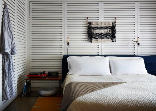 Ein Bett oder Betten in einem Zimmer der Unterkunft Ace Hotel and Swim Club Palm Springs