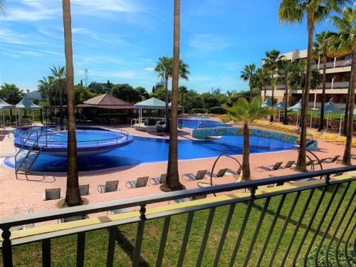 The swimming pool at or near Hotel Baia Grande