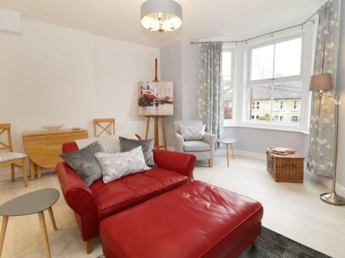 A bed or beds in a room at Flat 3 Avon Villa, Bradford-on-Avon