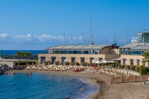 The swimming pool at or near Hotel Riviera dei Fiori