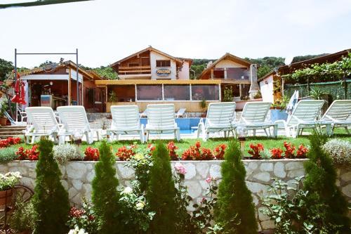 Бассейн в Hotel Poseidon или поблизости