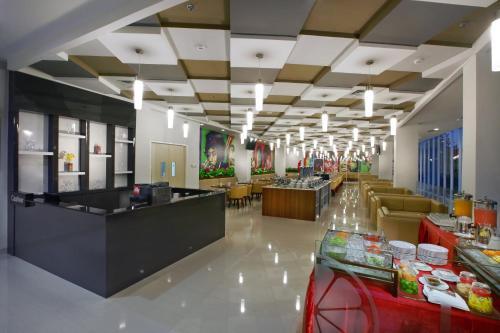 The lobby or reception area at Favehotel Pekanbaru