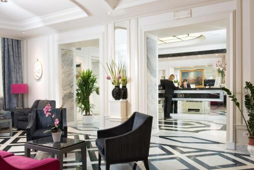 The lobby or reception area at Hotel Imperiale