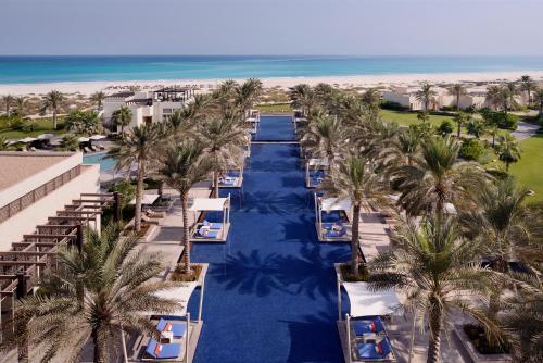 منظر فندق وفيلات بارك حياة أبوظبي من الأعلى