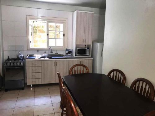 A cozinha ou cozinha compacta de Sobrados Muller