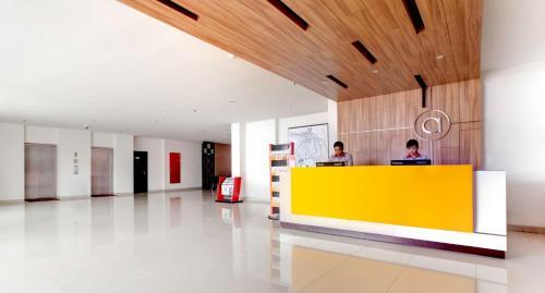 The lobby or reception area at Amaris Hotel Pratama Nusa Dua