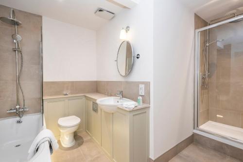 A bathroom at Heacham Manor Hotel