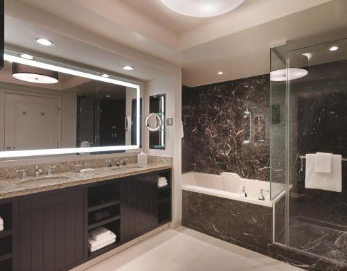 A bathroom at Delano Las Vegas at Mandalay Bay