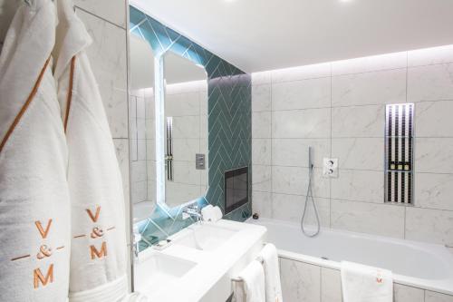 A bathroom at Vintry & Mercer