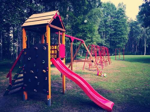 Children's play area at Minhauzena Unda