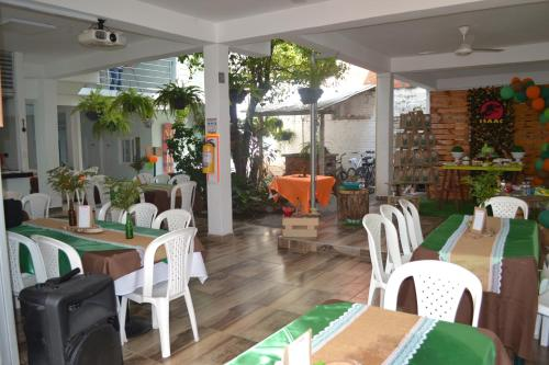 A restaurant or other place to eat at Hotel la Colina