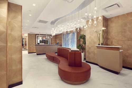 The lobby or reception area at Artezen Hotel