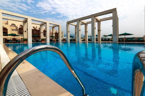 The swimming pool at or near Islamabad Serena Hotel