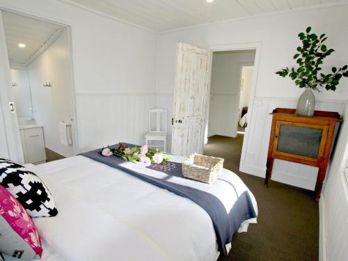 A bed or beds in a room at Cara