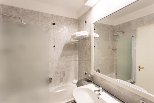 Un baño de Hostellerie Du Cheval Blanc