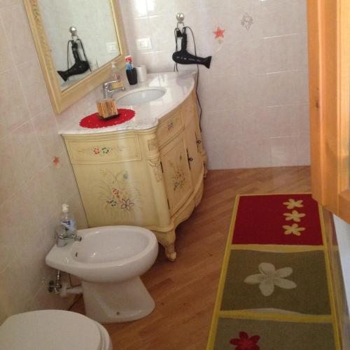 Bagno di One-Bedroom Apartment in Montevarchi I