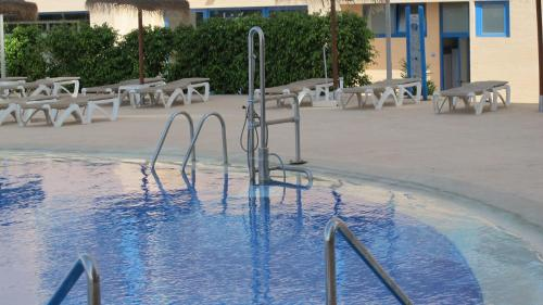 The swimming pool at or close to Apartamentos Europa House Sun Beach