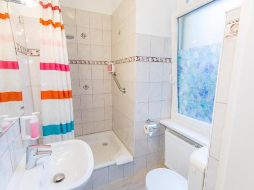 A bathroom at Pension Marie Prenzlauer Berg