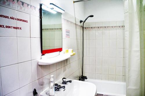 Un baño de Ria Hostel Alvor